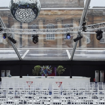 Reception bar with clear roof taking in views of the Palace from the marquee